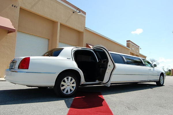lincoln stretch limo Cary